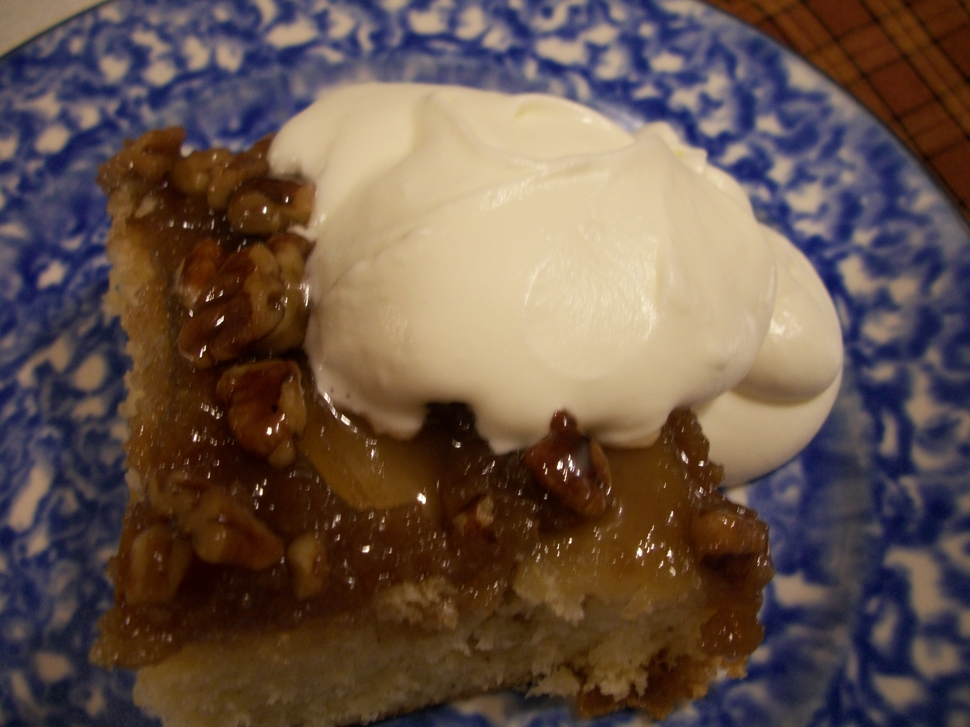 Warm Caramel Apple Cake |